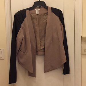 Mini blazer with faux leather sleeves